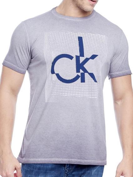 Kit 1 T-shirt + 1 Calça Slim