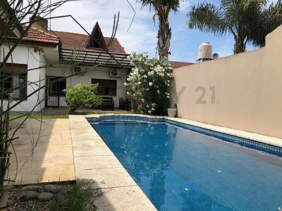 Venta Casa 6 Ambientes Con Quincho Y Pileta En Lomas De Zamora