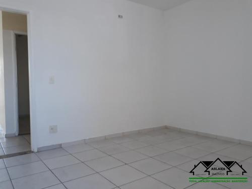 Sala Comercial Com 13,5 Mt² Em - Santa Terezinha -  Santo André/sp - Abcm0021