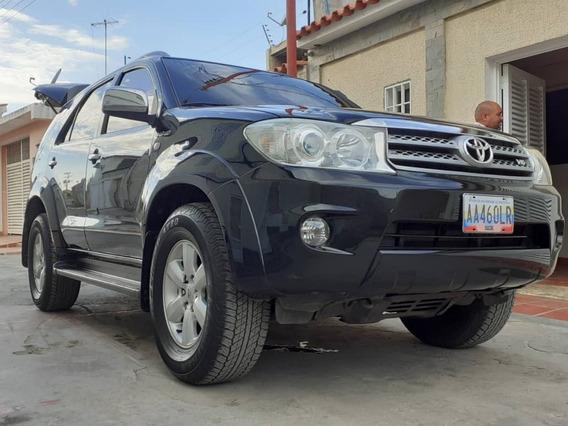 Toyota Fortuner 4x2 Sr5 2010
