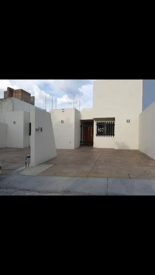 Casa En Renta En Lomas Del Campestre