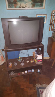 Televisor White Westinghouse De 29 Pulgadas En Muy Buen Esta