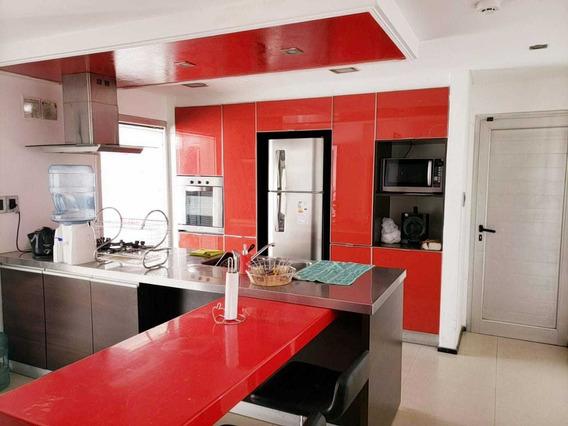 Hermosa Casa Moderna Con Jacuzzi Y Pileta !