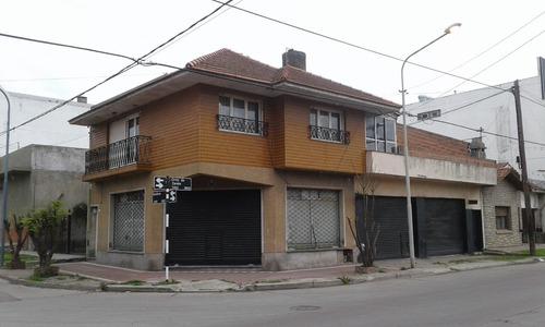 Venta Casa Con Local Y Taller-estado Original-zona Puerto-esquina Rondeau Y Zarate