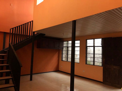 Casa Céntrica Para Alquiler En Villas De Ayarco