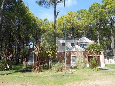 Exclusiva Casa Paff - Frontera Pinamar