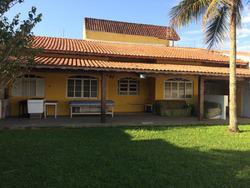 Vendo Casa C/ Escritura A 300 Metros Da Praia C/ Lote Grande