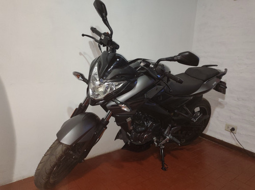 Bajaj Rouser Ns 200 200 Ns 3.100km Naked Impecable