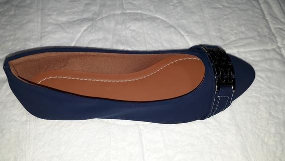 Sapatilha Azul Marinho Com Fivela Bico Fino.