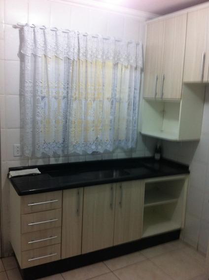 Sobrado Em Condomínio Fechado, 2 Dormitórios Com Uma Vaga