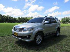 Toyota Fortuner Plata Metalico