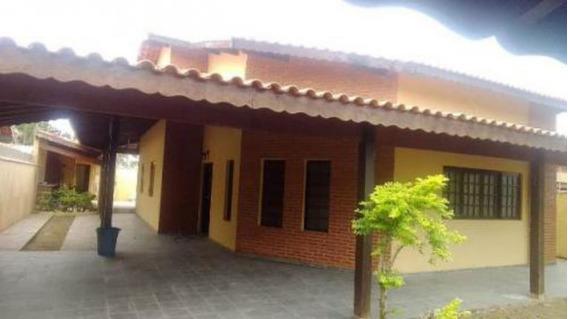Bela Casa No Bairro Parque Augustus - Itanhaém 5765 | P.c.x