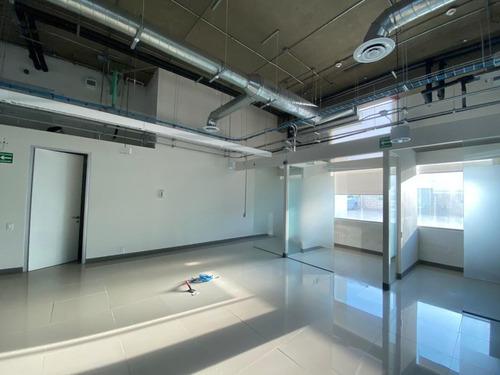 Imagen 1 de 16 de Oficinas En Planta Baja Edificio Takin En Renta