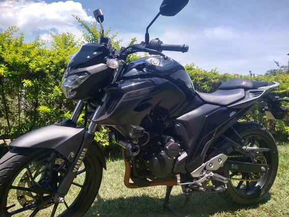 Yamaha Fz 25 Negra