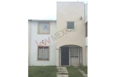 Casa En Venta En Privadas De La Hacienda, Zinancatepec, Estado De México.