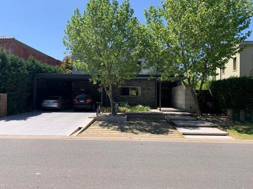 Imagen 1 de 28 de Casa  En Venta  En Santa Barbara, Tigre, G.b.a. Zona Norte