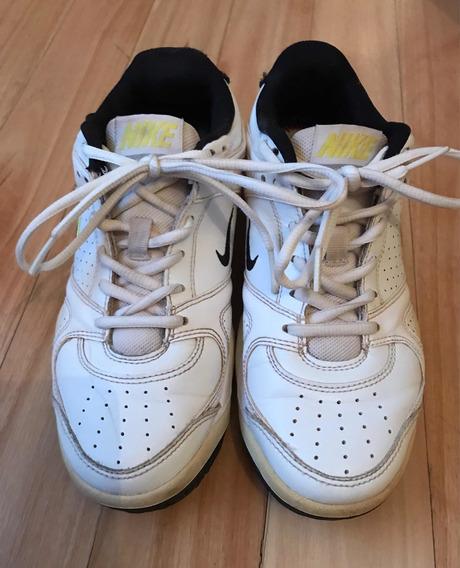 Zapatillas Nike. Cuero