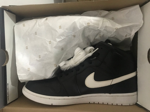 Air Jordan 1 Mid Black & White 10.5 Us 1 Solo Uso