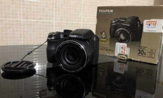 Câmera Fujifilm Finepix S4000