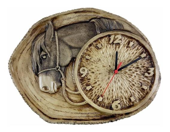 Relógio Rustico Tronco Com Cabeça De Cavalo Resina Decoração