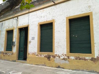 En El Centro, Hermosa Casa Y Muy Amplia!!