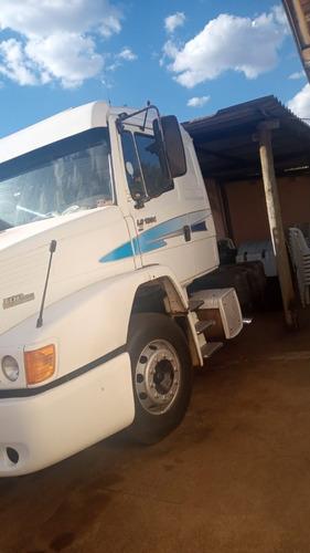 Imagem 1 de 3 de Caminhão
