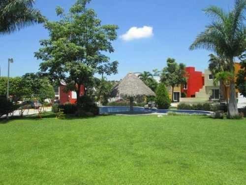Casa Sola En Venta Temixco Morelos Cerca Del Fraccionamiento Burgos , En Privada