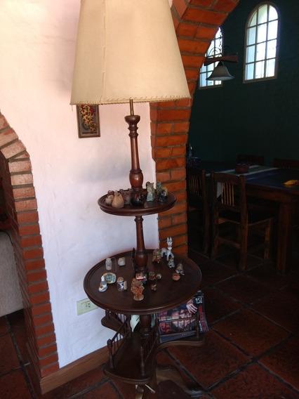 Lámpara De Pie Antigua, Madera Caoba. Se Retira Por Pilar