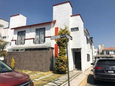 Casa En Condominio En Renta En San Mateo Otzacatipan, Toluca, México