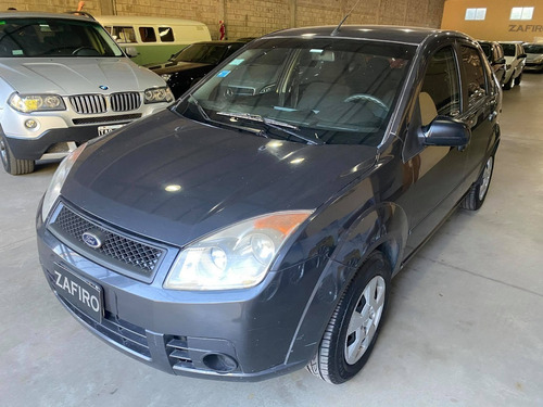 Ford Fiesta Max Ambiente Plus - Año 2010