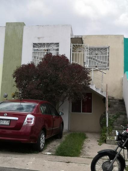 Casa Duplex En Venta, Colonia Valle De Los Molinos, Zapopan, Jalisco.