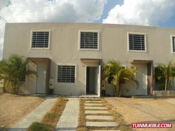 Casa En Venta La Ensenada 19-3808 Telf: 04120580381