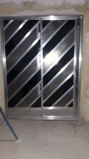 1 Porta De Aliminio + 2 Grades De Ferro