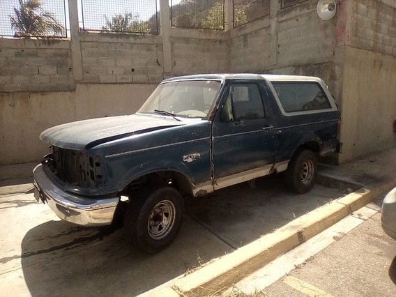 Ford Bronco ...