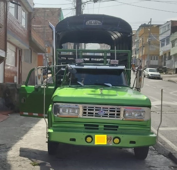 Camion Turbo Disel Dodge D 300 133 Estacas