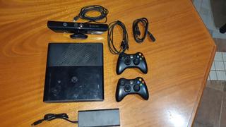 Xbox 360 De 4gb + Kinect 14 Juegos Y 2 Controles