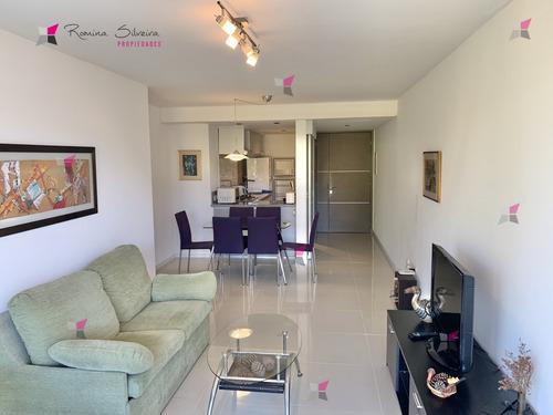 Venta  2 Dormitorios Con Amenties - Ref: 9848
