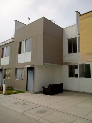Alquiler De Casa De Dos Pisos Incuye Estacionamiento