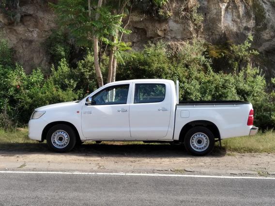 Toyota Hilux Doble Cabina 4x2
