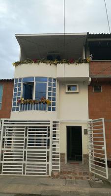 Casa De 3 Piso Con 5 Habitaciones Y 4 Baños Cicina Integral