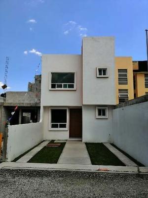 Casa Nueva A Pie De Calle A 3 Min De Cu Buap, Mucha Iluminación.