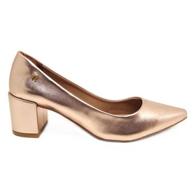 a02bf41693 Sapato Scarpin Ouro Velho E - Sapatos Coral claro no Mercado Livre ...