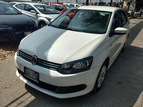 +volkswagen Vento 1.6 Active At 2014