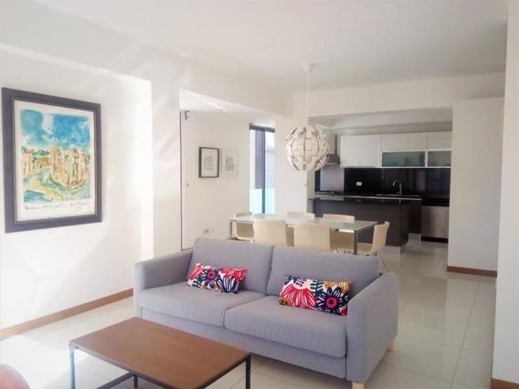 Se Alquila Apartamento Amoblado En Evaristo Morales