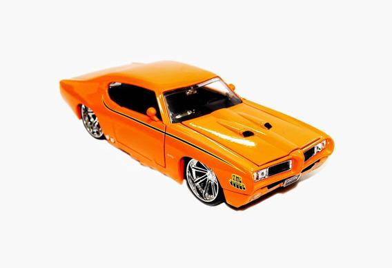 Miniatura Pontiac Gto 1969 Rebaixado Laranja 1:24 Jada