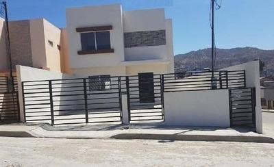 Se Vende Casa De 3 Rec En Granjas El Gallo $1,985,000
