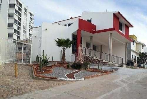 Casa En Renta En Privada Miravalle