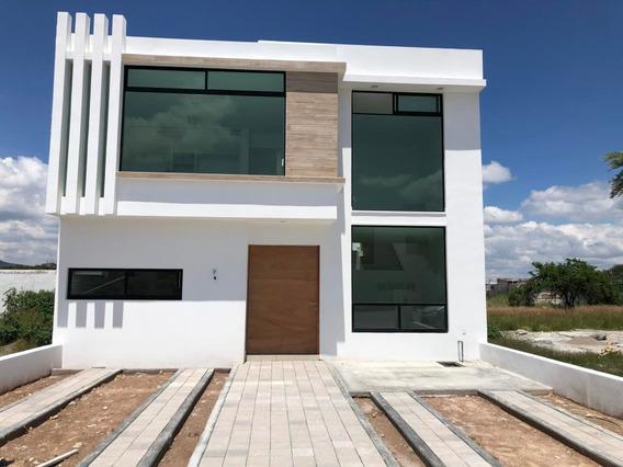 Casa En Venta En San Isidro Juriquilla, Queretaro, Rah-mx-20-3803