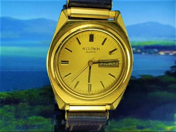 Relógio Bulova Accutron 7256t Banho Ouro E Pulseira Couro.
