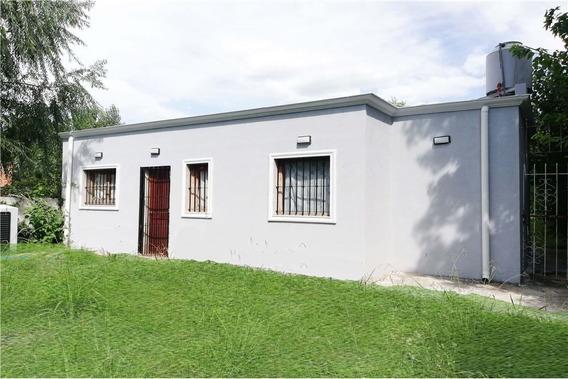 Casa Estilo Campo En Los Naranjitos